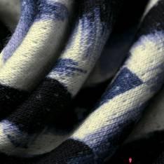 Molleton Gratté Motif Abstrait Tâche Bleu Nuit fond Blanc Cassé effet Piqué