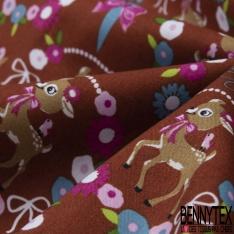 Coton effet Satiné Soyeux imprimé Biche Fantaisie dans Couronne Fleurie fond Rouille