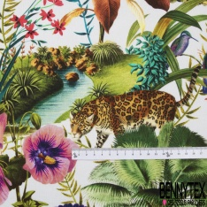 Coton demi natté imprimé digital motif animaux sauvages dans la jungle Fond blanc