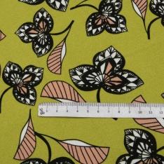 Crêpe Viscose Imprimé Motif fleurs roses incarnadins blanches et noires Fond vert