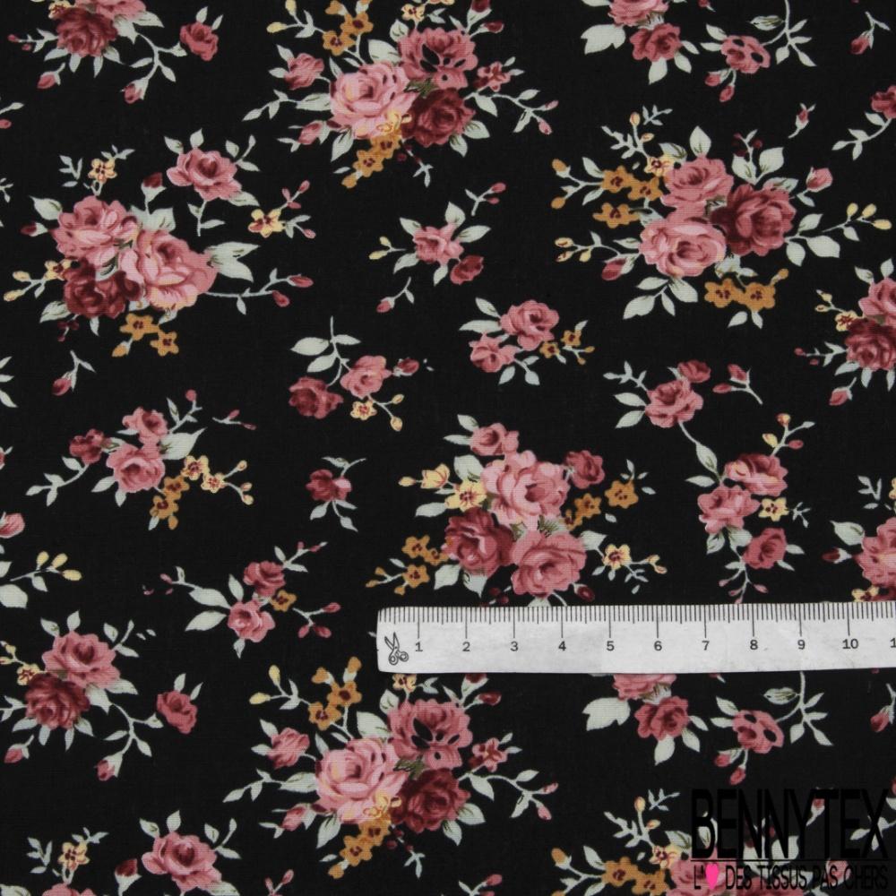 1m,40x1,10 coton bouquets   de  roses  beau tissus