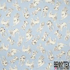 Satin Polyester Imprimé différents espèces de chiens Fond bleu clair
